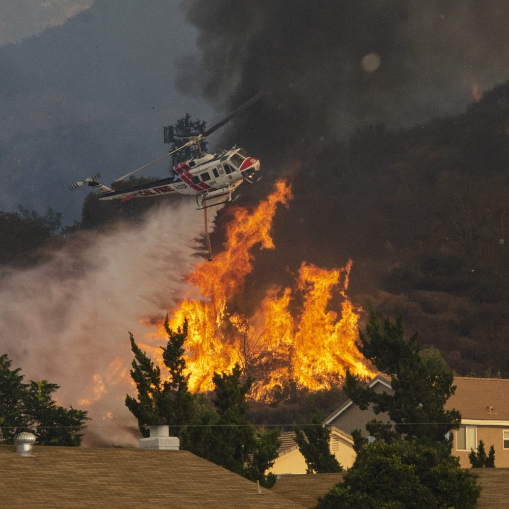 Cal Fire UH-1 protects homes on the Falls Fire, Lake Elsinore